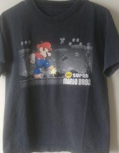 Men's super Mario T shirt size small